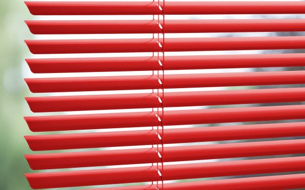 red_venetian_blinds_colori_window